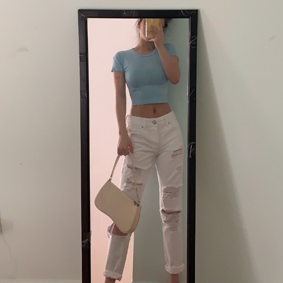 White aeo Tomgirl Jeans